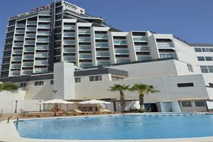BenidormVacaciones.com - HOTEL LA FAMILIA GALLO ROJO
