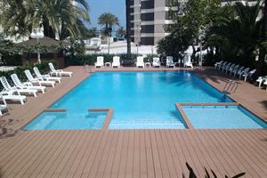 LOS ROBLES HOTEL
