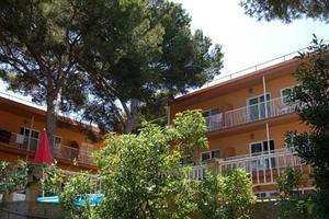 DON JUAN APARTAMENTOS - Hotels in Arenal