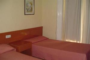 HOSTAL EQUITY POINT MADRID
