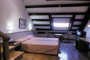 http://services.serhstourism.com/fotos/GBC000/GBCSAGU_12_2.jpg
