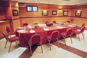 http://services.serhstourism.com/fotos/GMD000/GMDPIRA_12_1.jpg