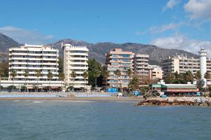 Aparthotel El Faro Inn