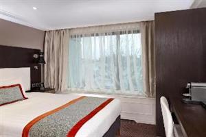 http://services.serhstourism.com/fotos/T01000/T01383_12_1.jpg